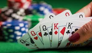 Cara Membaca Kartu Lawan Saat Bermain Poker Online
